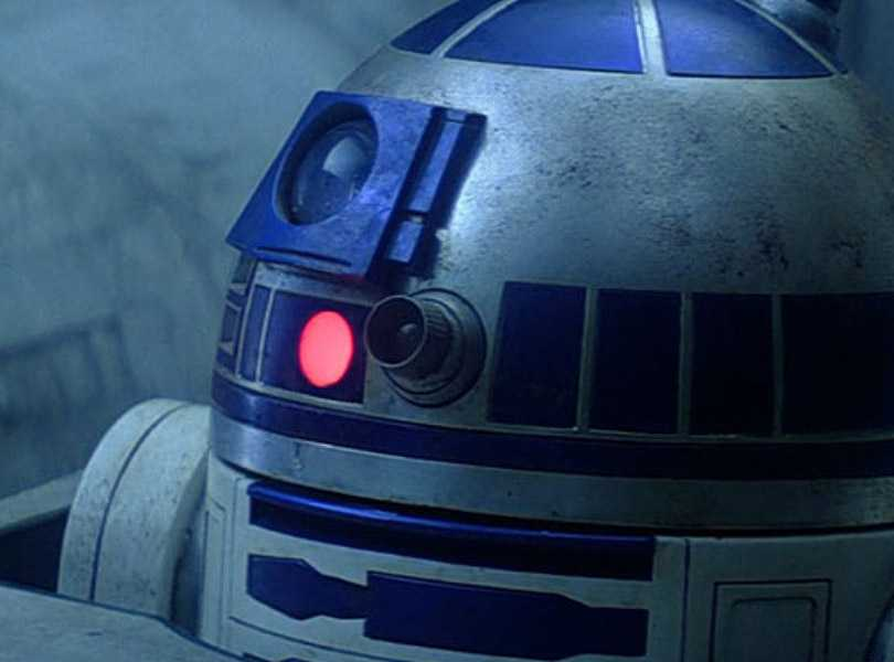 Top 5 Scenes in Star Wars Featuring R2D2